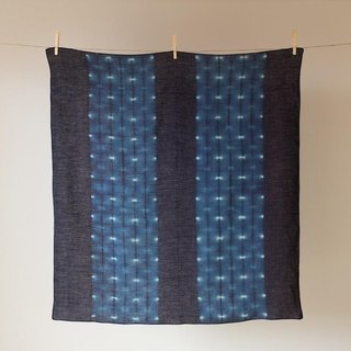 The indigo dyeing hemp wrapping cloth (Hotarukasane)