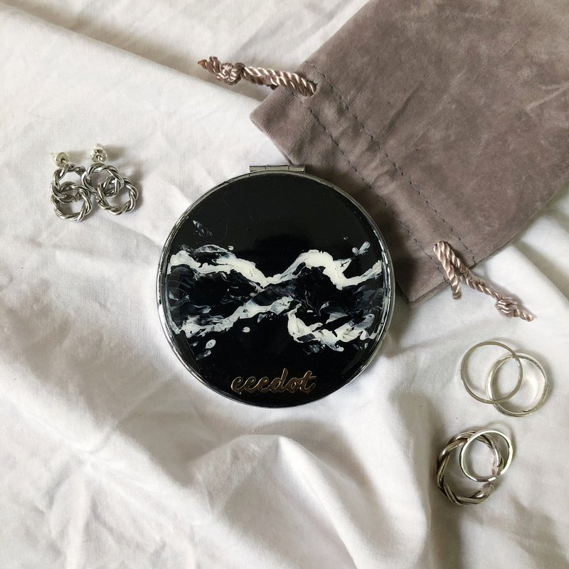 Hand-painted round pocket mirror | Black and white glacier series