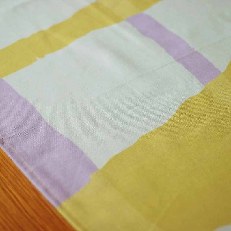 Reduce the simple tablecloth / big long towel waterproof paint yellow purple