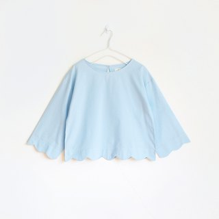 scallop blouse : blue
