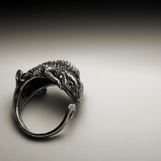 Handmade lizard ring