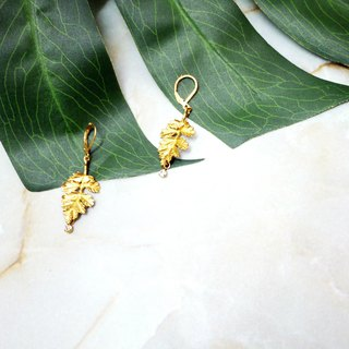 Autumn wind deciduous brass retro earrings