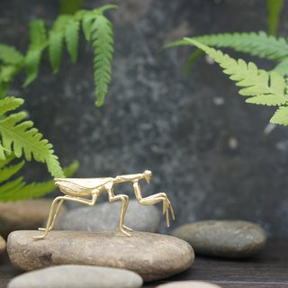 Handmade brass tea pet ornaments 螳螂 pen shelf pen holder