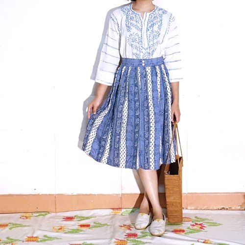 BajuTua / vintage / gray-blue pleated skirt deformation pattern (defect prices)