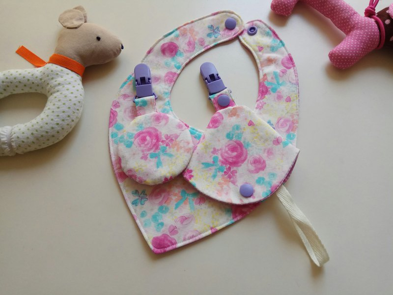 Japanese cloth peach purple flower Miyue gift baby bib peace symbol bag two in one pacifier clip