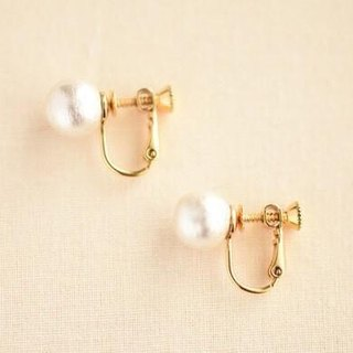 10mm simple cotton pearl clip earrings (white)
