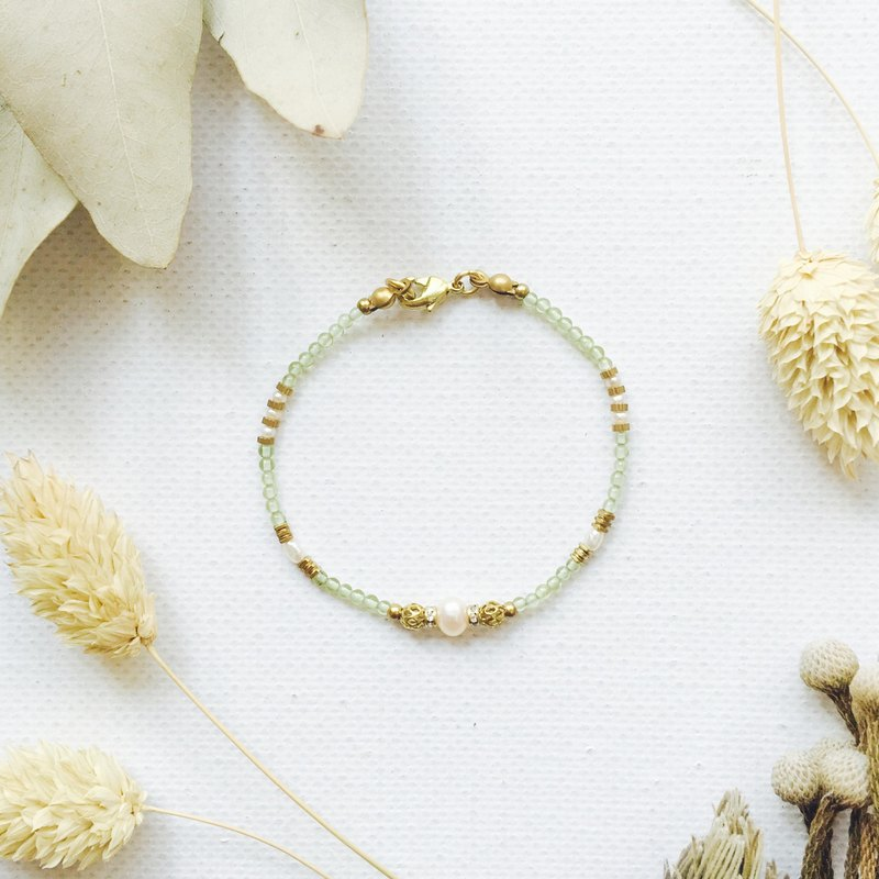 Gaia Series - Peridot Brass Bracelet / August Birthstone