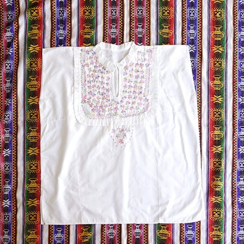 BajuTua / Elegant / Mexican Pink Gradient Flowers Hand Embroidered Collar Tops