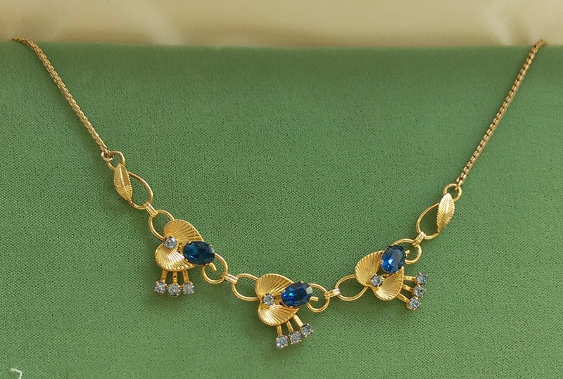 [Western antique jewelry / old age] Van Dell 12K gold beautiful deep blue Rhine necklace