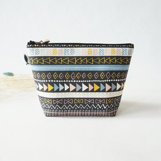 /Indian-Black // Makeup Bag/Travel Bag/Small Bag