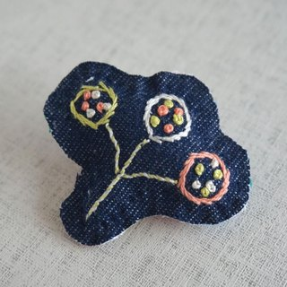 "Hand embroidery broach ""Nut 2"""