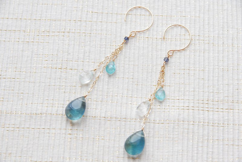 Two types of blue stone and flow light chain earrings 14 kgf