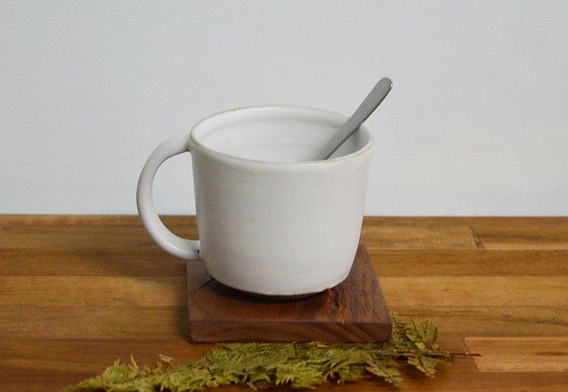 白釉霧面馬克杯