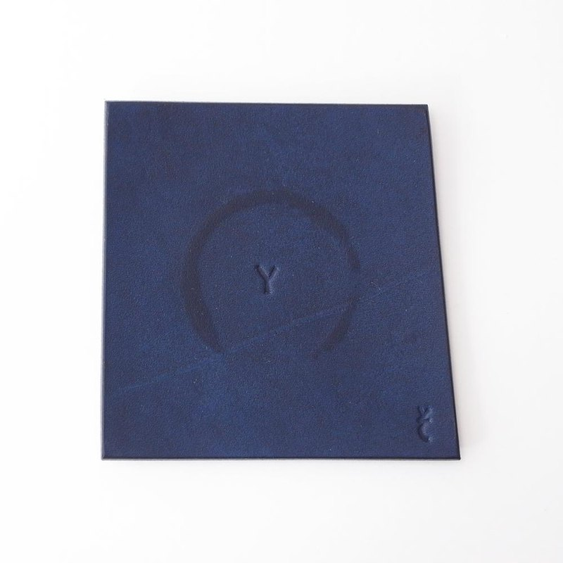 Play the water bleeding. Indigo dyeing leather coaster [kosuta / Costa] # plant dyeing leather # alphabet engraved to choose