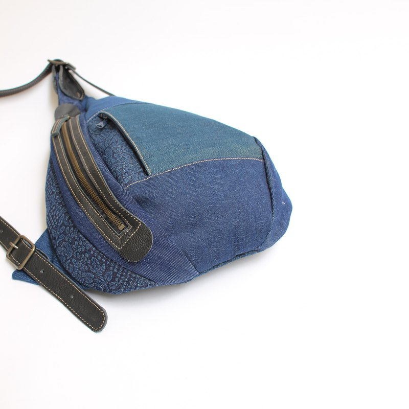 Shoulder bag · denim patchwork