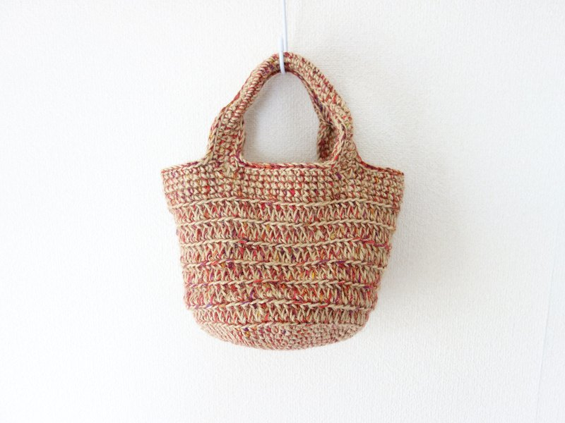yuoworks / Round bottom tote bag / red mix / jute string