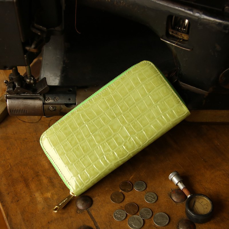 Japanese manufactured cowhide care package pale green color made in JAPAN handmade leather wallet