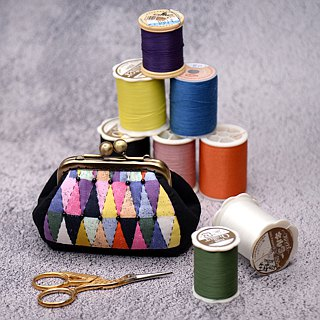 Color geometric whimsical world long mouth gold bag purse