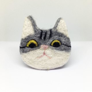 Exchange gift wool felt Q version cat brooch