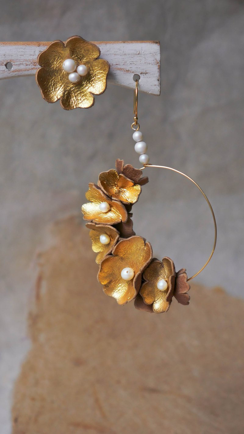 Flower hoop earrings gold, stud flower earrings,artisan earrings