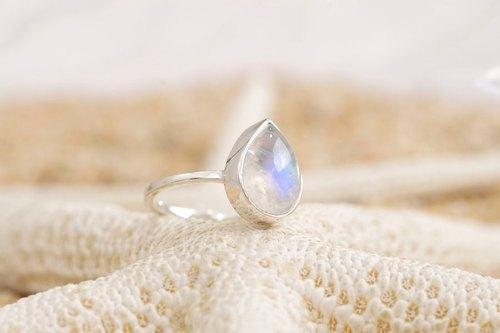 Silver Ring of Rainbow Moon Stone