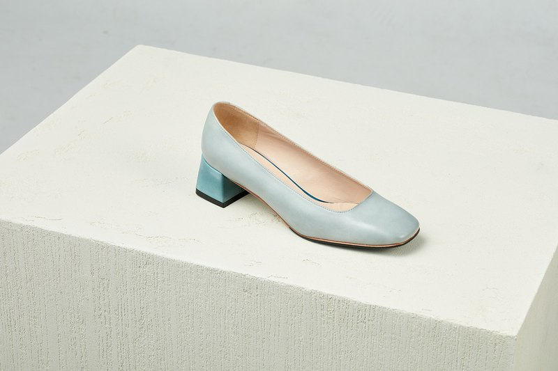 HTHREE Classic Square Heel Shoes / Fog White / Heel Shoes / Square Toe Heels