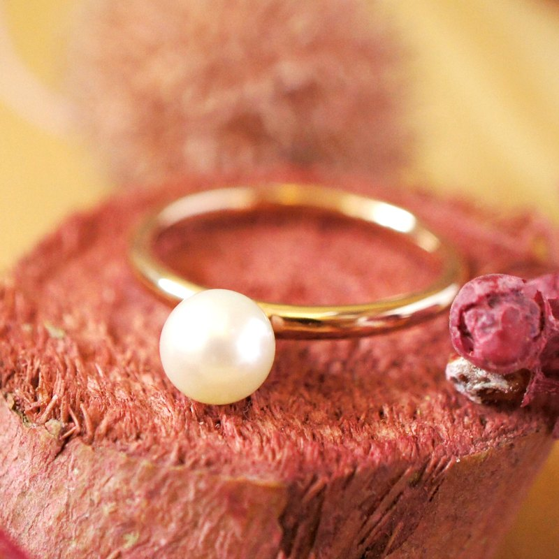 ENCHANTED - 6mm Round Freshwater Pearl 18K Rose Gold Plated Silver Ring