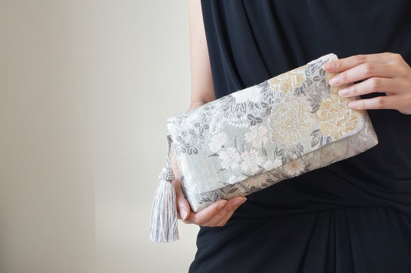 For weddings and parties everyday use as well. 2 way band handbag, handback silk belt remake silver