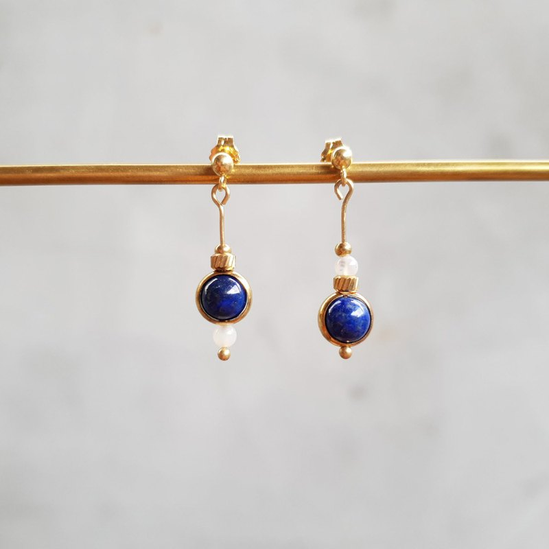 [fruit] fruit asymmetrical lapis lazuli brass earrings