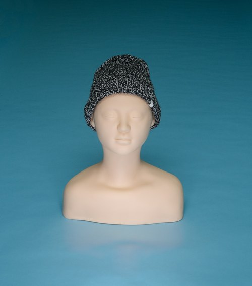 Thin - black and white LT07 hand-woven wool cap