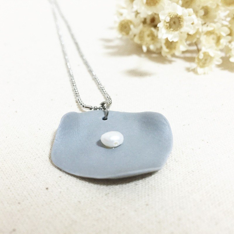 Handmade Clay Lotus Leaf with Pearl Necklace - Light Grey