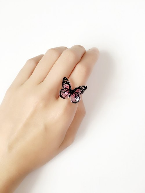 *Haku‧Neko*black textured painted pink butterfly ring (chubby butterfly)