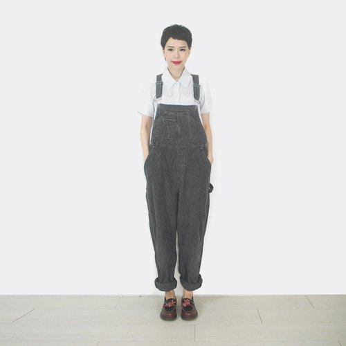 Old gray trousers with suspenders AM9026