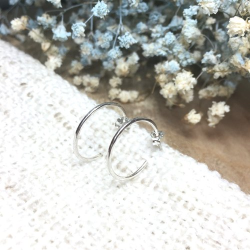 MIH goldsmith jewelry | simple circle sterling silver earrings Minimalist Loop sterling silver earrings