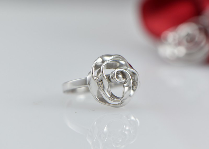 Light Jewelry Custom Twisted Flower - Ring (Left) Customized Silverware