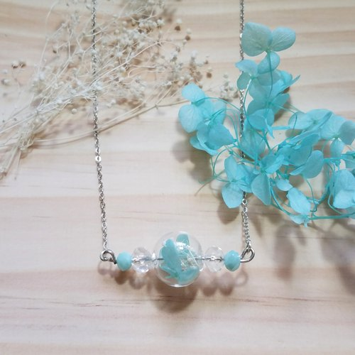 The blue-green think | Dried hydrangeas stars necklace