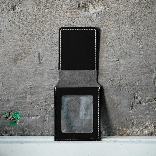 Removable Photo-Card Slot for Short Wallets。Add-on