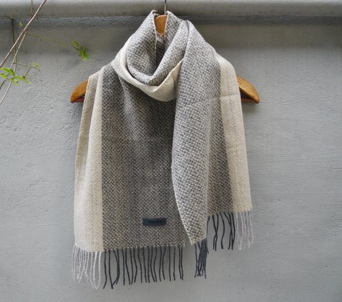 FOAK vintage French Renoma meters gray color knit scarves