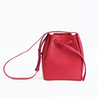 Tye Leather Bucket Bag in Red