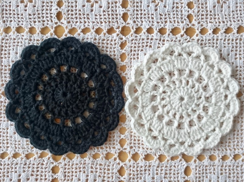 Crochet Coasters for Fika - Black and White (2 pcs)