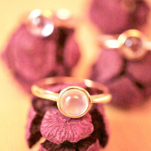 DOTDOT 6mm Round Cabochon Rose Quartz 18K Rose Gold Plated Silver Ring