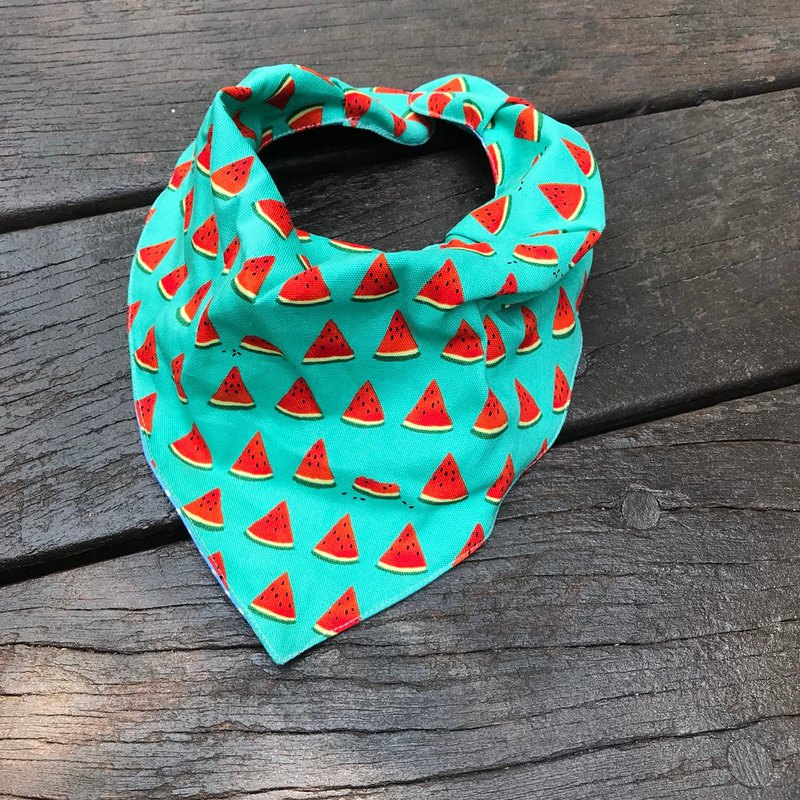 Fashion scarf*to eat watermelon together*three-dimensional triangle bib