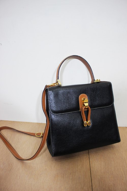 [Vintage Leather] isanti [made in Italy label] black shoulder bag slung (Made in Italy)