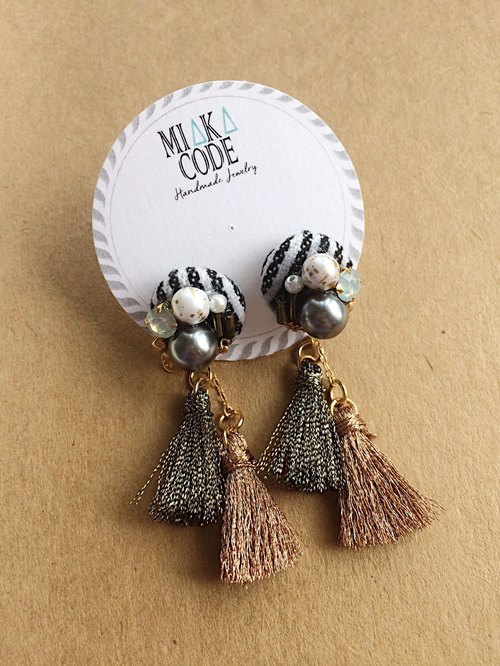 Blue and white stripe pearl tassel Japanese ear needle / ear clip