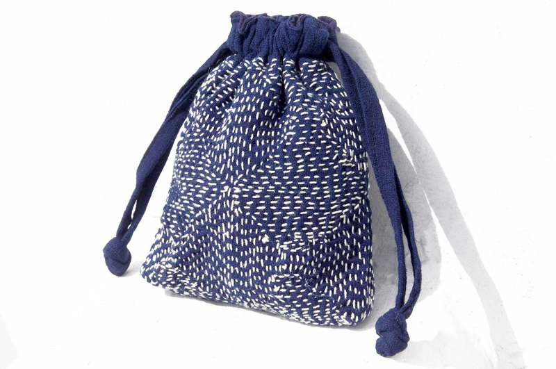 Mother's Day gift birthday gift Tanabata gift limited edition blue hand-embroidered storage bag / ethnic wind bag / indigo bag / cosmetic bag / phone bag / Clutch - blue mosque geometric pattern embroidery