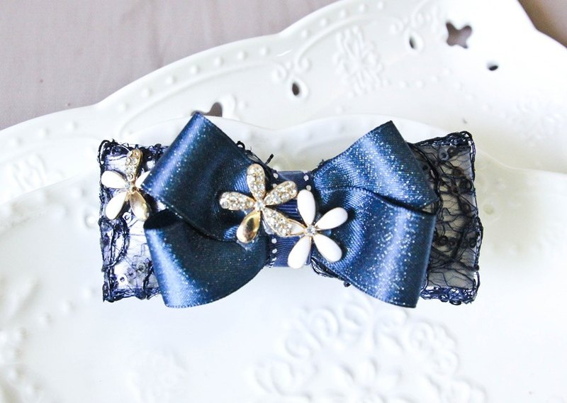Retro lace treasure blue beauty hand classic bowknot big square clip
