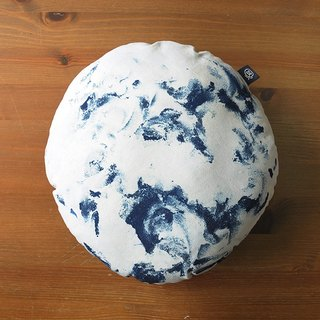 Blue dyed petty sleeping pillows - hug the full moon