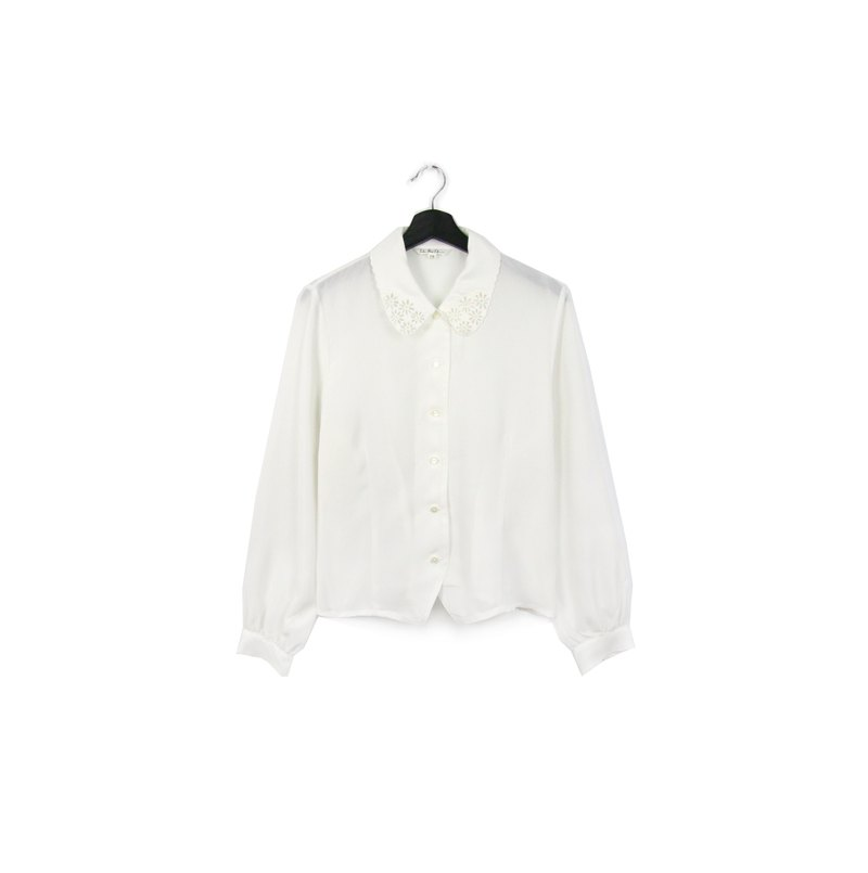 Back to Green:: Japanese and Silky White Shirt Openwork //vintage shirt