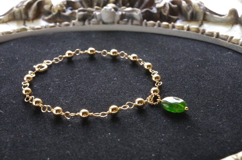 Bracelet of chrome diopside