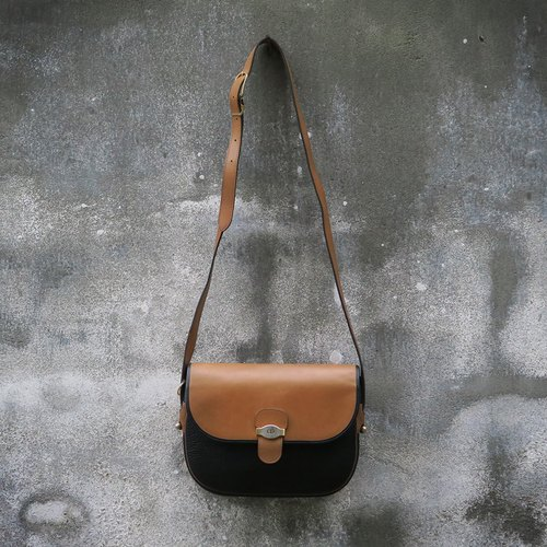 Christian Dior France antique shoulder bag
